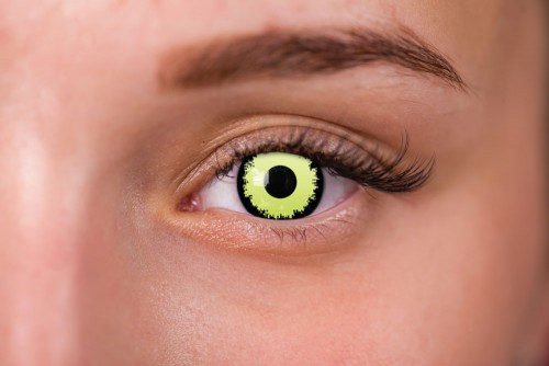 woman wearing louis interview with the vampire contact lenses